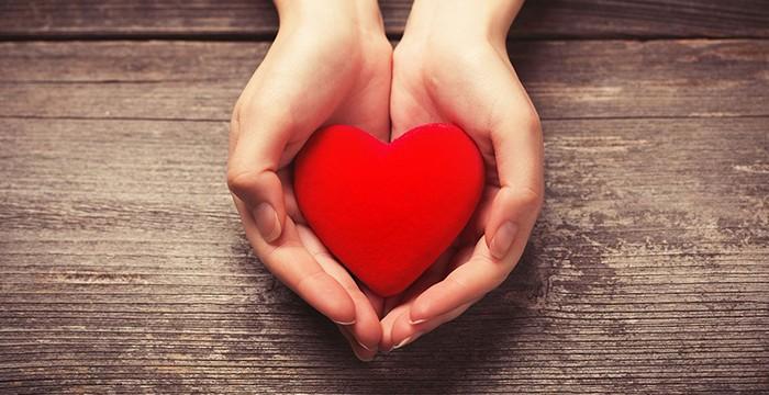 znaci manje srčanih udara kod žena koje pate na nogama