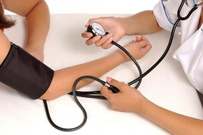 umjeren sredstvo za hipertenziju)