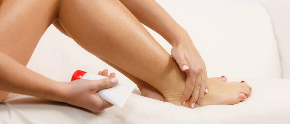 Što smanjuje oticanje nogu u hipertenziji