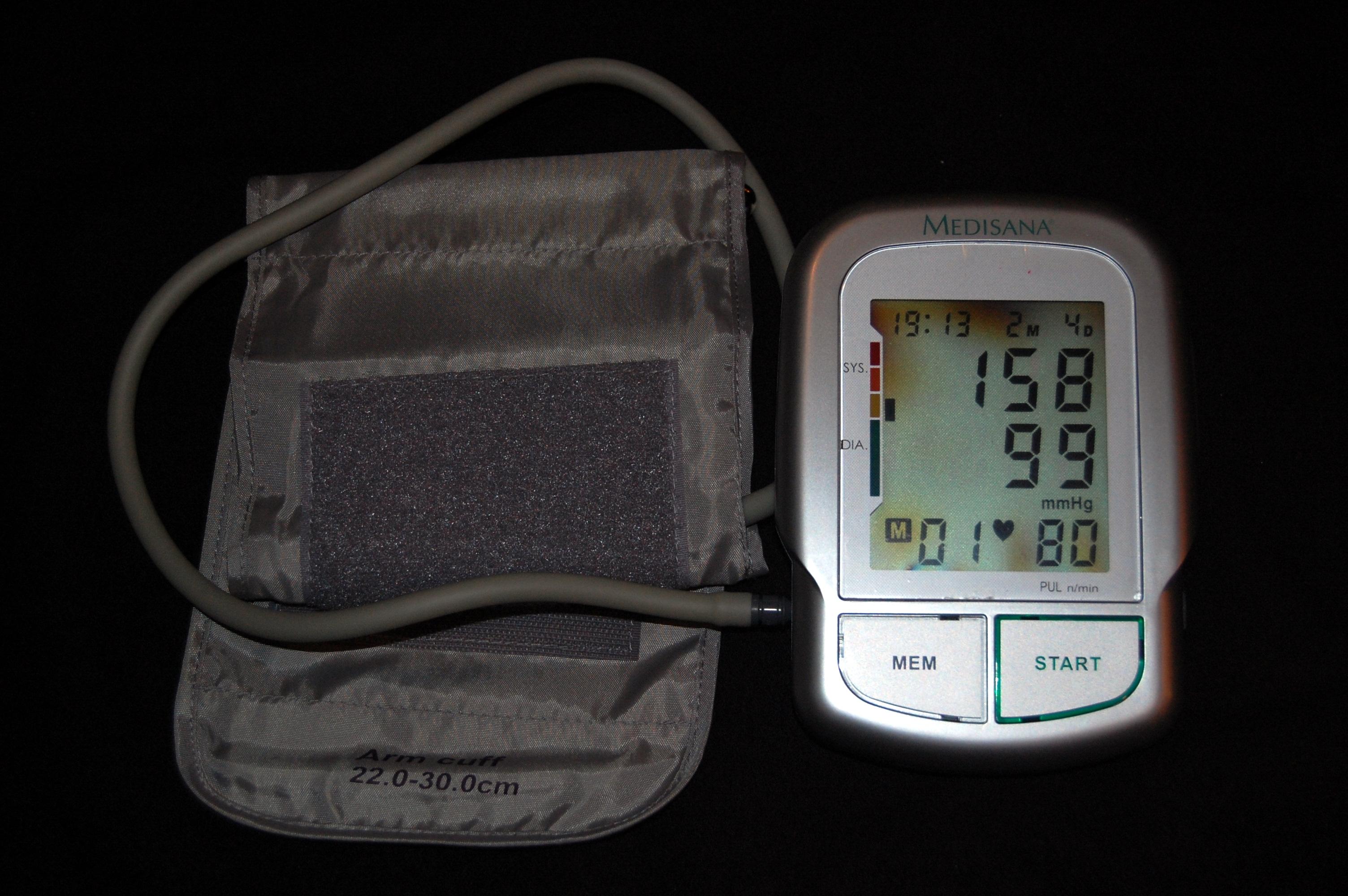 visoki krvni tlak u glavi