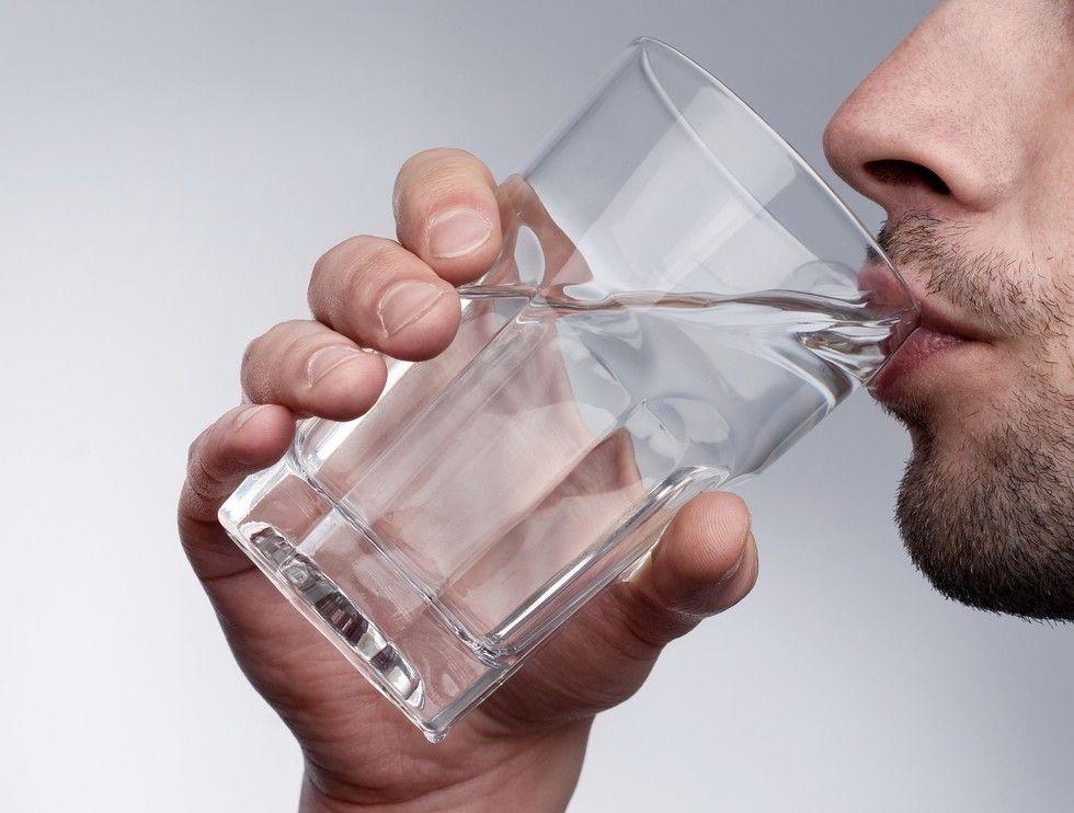 hipertenzija koliko možete piti vodu)