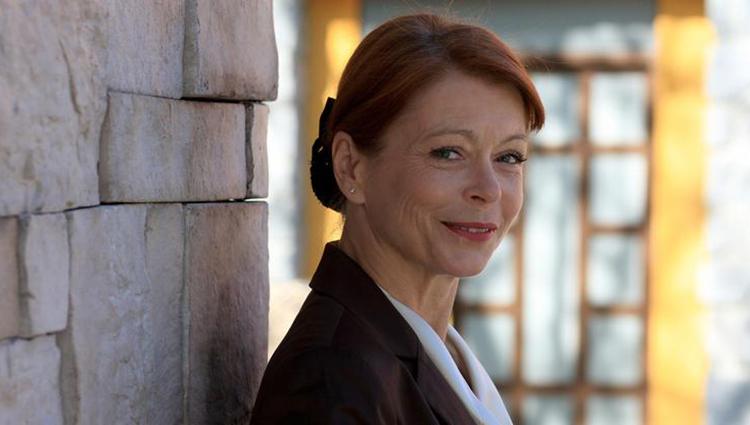 Preminula je poznata glumica Neda Arneri? (66): Prona큄li su je mrtvu u stanu