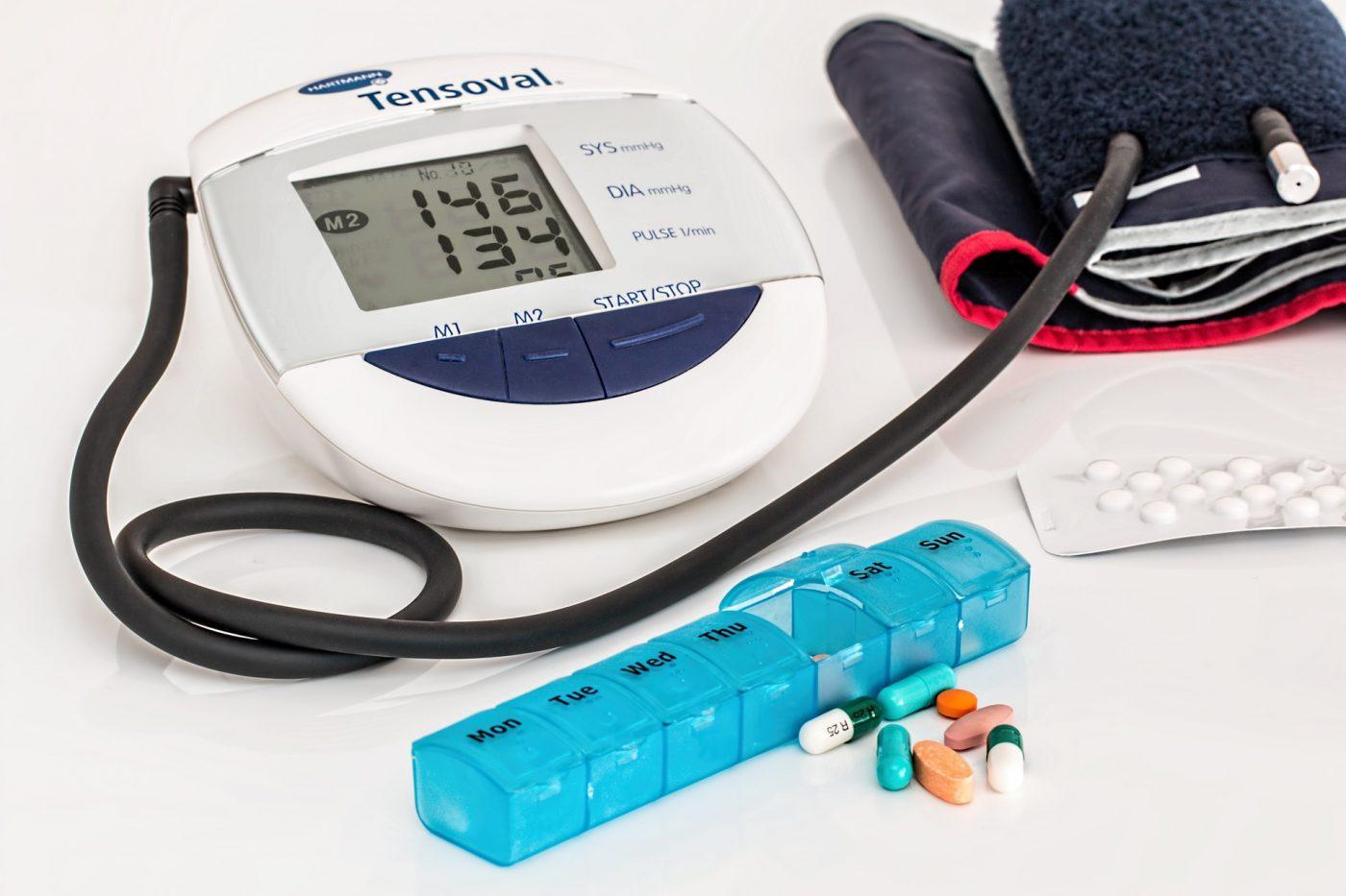 ono što je uzrokovano hipertenzijom)