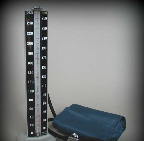 što je visoki krvni tlak čir)
