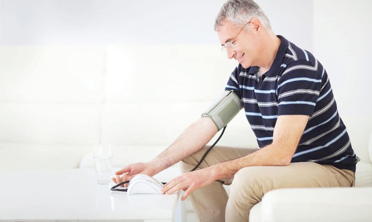 pomoć kod hipertenzije u starijih osoba