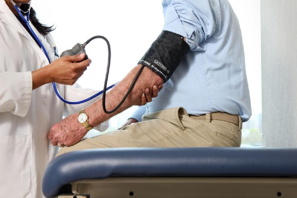 hipertenzija, krvne žile u oči