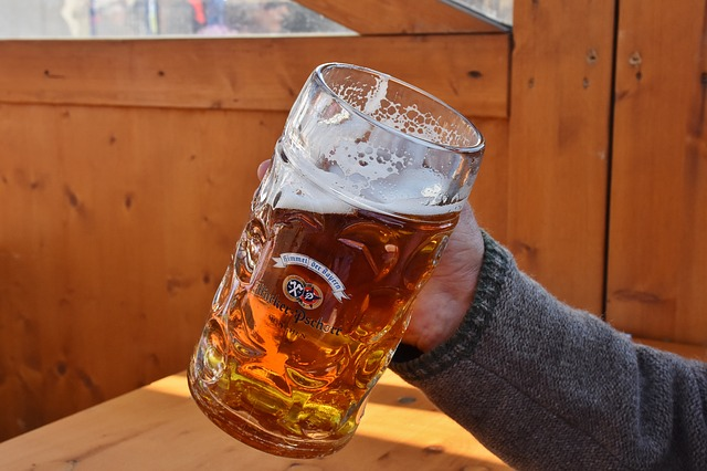 Kako pivo utječe na pritisak, može li se piti s povećanim ili sniženim krvnim tlakom?