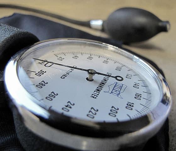 opsežna hipertenzija)