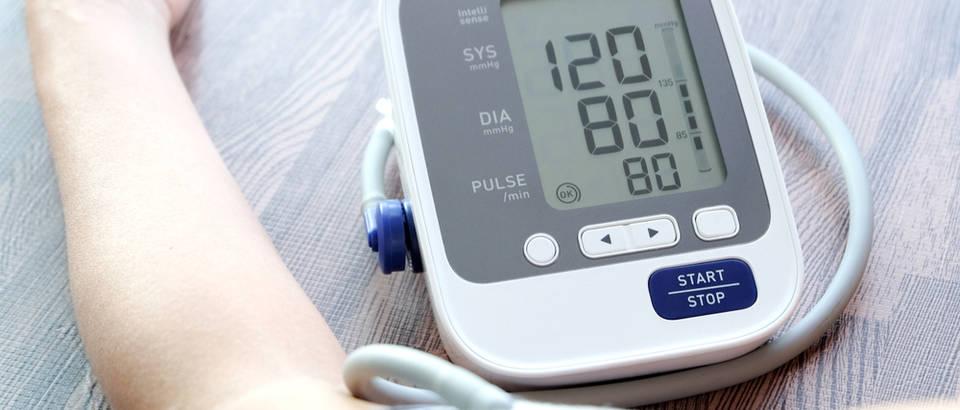 Dijastolički tlak iznad 100 mmHg – mjerenje, simptomi i kako sniziti tlak?
